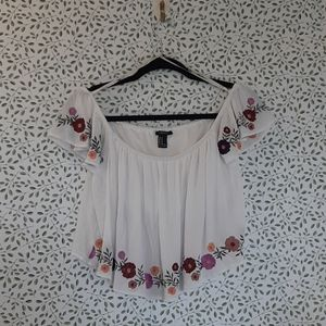 Forever21 white floral layered crop top SzeM